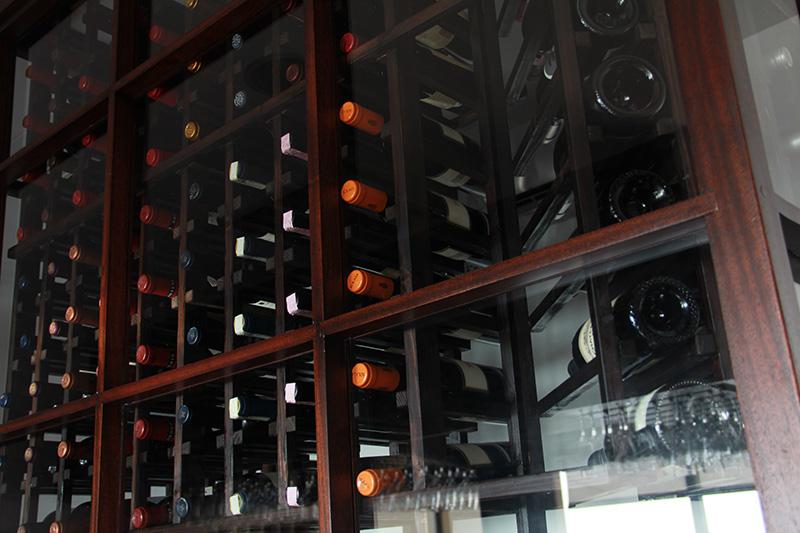 lobster-pot-cayman-islands-wine-selection